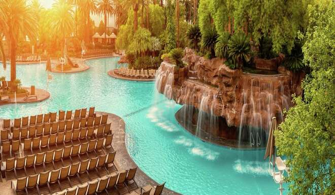 19 Best Pools In Las Vegas Hours Cabana Day Bed Beach Lazy River