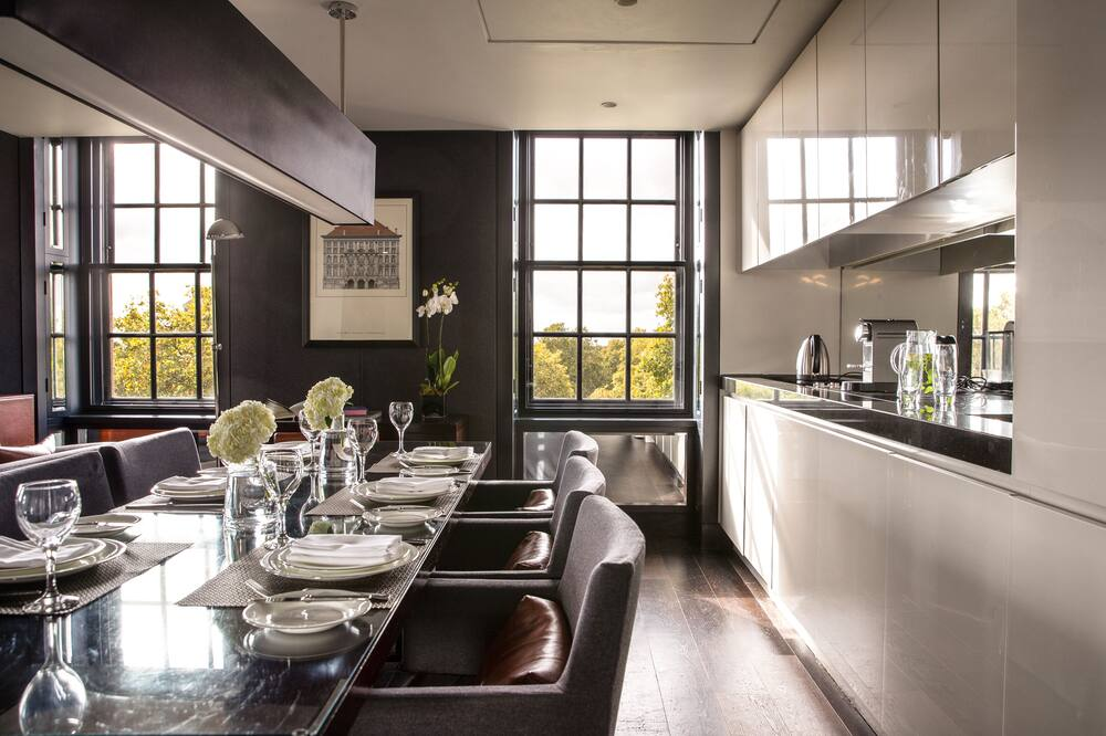 London hotel with kitchen