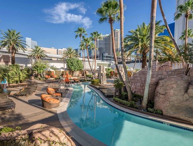 MGM Grand Pool Lazy River
